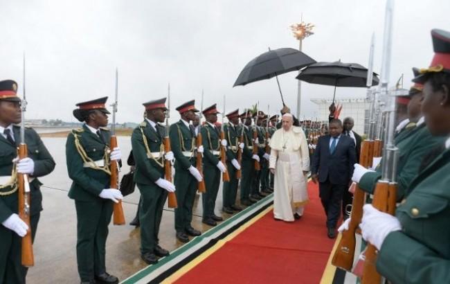 Papa deixa Moçambique em direção de Madagascar